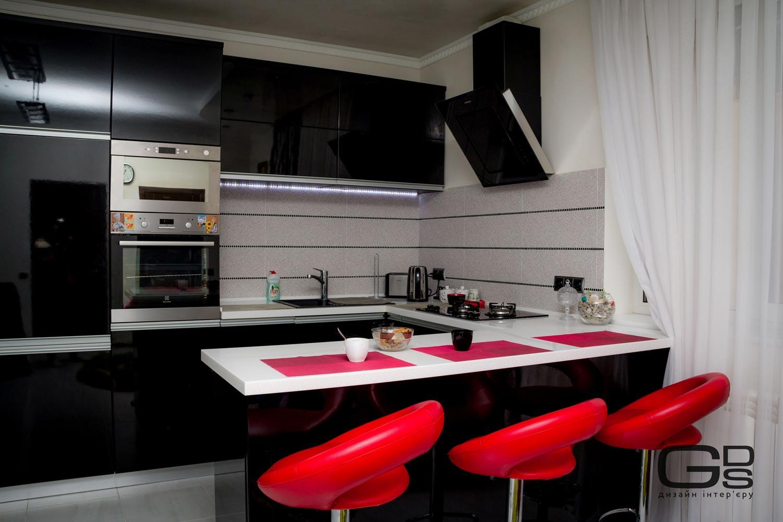 Стильна кухня чорного кольору