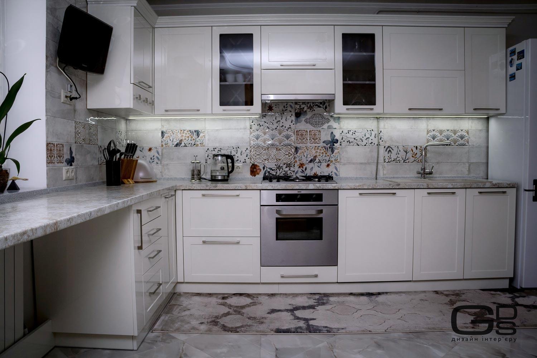 Кухня в світлих тонах